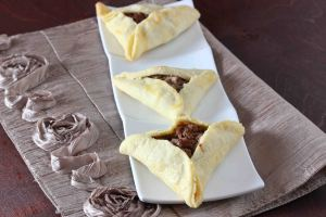 savory-meat-pie-hamantaschen