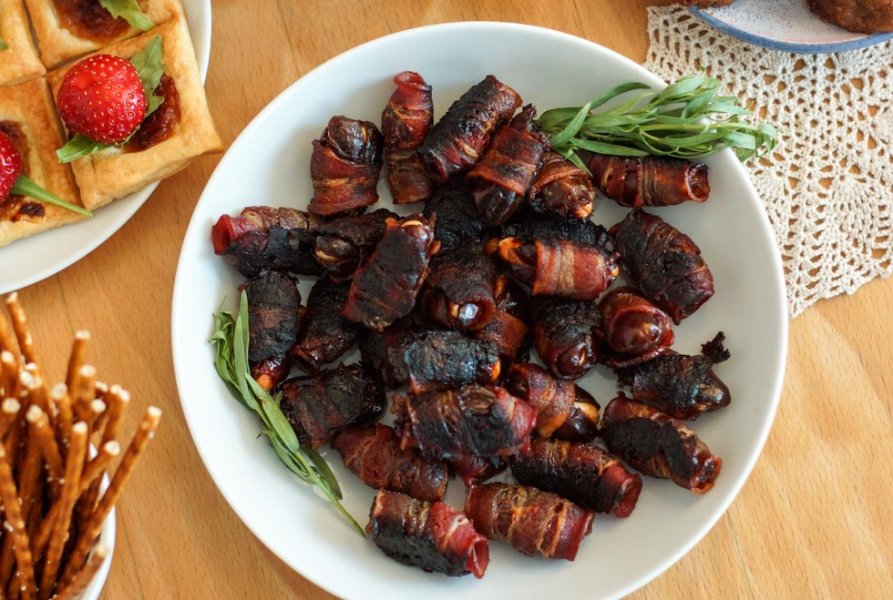 tip11-bacon-wrapped-dates-dianeyoon